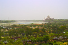 Taj Mahal (dreamersid) Tags: world india green monument architecture canon wonder landscape fort taj mahal agra hdr mughal