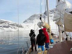 Edurne_Pasaban_groenlandia_greenland_aventura_mountain_montana_snow_nieve_ice_hielo_team_equipo (edurnepasaban) Tags: snow mountains ice expedition nieve performance peak adventure virgin greenland hielo montaas aventura virgenes groenlandia expedicion edurnepasaban