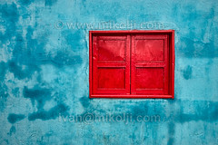 Red Window Stock DSC02162 (mikolji@yahoo.com) Tags: pictures blue windows red wallpaper house window southamerica wet wall closed paint photos background venezuela fineart ivan stock poor images photographs highdefinition shack hd bluewall videos slum damp arquitecture footage artisticphotography thirdworld royaltyfree redwindow calendarios fotografosvenezolanos fotospublicitarias ventadefotos fotosdevenezuela mikolji libresdederecho ivanmikolji