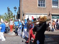 "Koninginnedag 2012 • <a style=""font-size:0.8em;"" href=""http://www.flickr.com/photos/96965105@N04/8949310296/"" target=""_blank"">View on Flickr</a>"