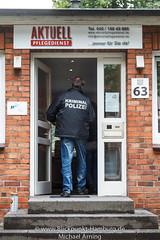 2013-06-13 Razzia bei Pflegedienst (Michael Arning / Blickpunkt-Hamburg) Tags: germany deutschland europa lka hamburg police polizei kriminalpolizei betrug verbrechen pflegeheim landeskriminalamt kriminalitaet gluckstrasse straftat betrugsdelikt wirtschaftsdelikt wirtschaftskriminalitaet abrechnungsbetrug