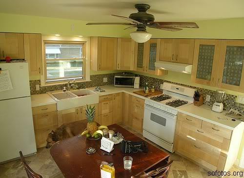 Cozinhas planejadas com armário de madeira
