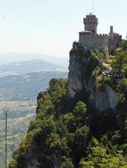 20130812_040 Repubblica San Marino (Frabjous Daze) Tags: mountain sanmarino monte threetowers vuori repubblicasanmarino montetitano dellaguaita ensimminentorni kolmetornia