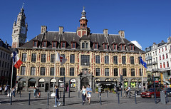 Lille, Grand'Place, Vieille bourse (Ytierny) Tags: france architecture grandplace campanile lille faade nord mtropole flandre beffroi vieillebourse placedugnraldegaulle citflamande ytierny