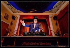 Bobby (Gelegenheitsknipser) Tags: deutschland theater hamburg bobby hh 2009 altona magie hansestadt mensch illusionist knstler norddeutschland zauberer magier hamburgaltona zauberknstler zauberkunst mpfotonet magiculum gelegenheitsknipserde marcopagel magiculumhamburg altesmagiculumhamburg