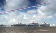 3 Queens and the RAF Red Arrows in Liverpool (Jeffpmcdonald) Tags: liverpool queenmary2 cunard queenvictoria queenelizabeth rivermersey 175thanniversary 3queens nikond7000 jeffpmcdonald may2015