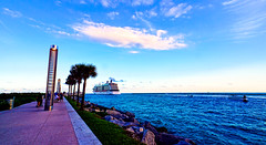 Evening colors (The Sergeant AGS (A city guy)) Tags: southpointepark miami miamibeach colors blue beach boats bay skies walking exploration afternoon unitedstates urban