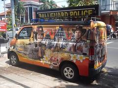 Fourgon de police [EXPLORE] (GeckoZen) Tags: van daihatsu police denpasar bali indonesia