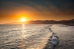 Sunset @ beach (T4RM0) Tags: california santa monika pier canon 5d markii beach wave sunset