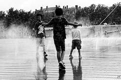 Canicule (nicphor) Tags: canicule summer t water bw noiretblanc kinds enfants jeux black
