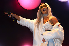"M.O - Manchester Christmas Lights Switch On - 4/11/2016 (sampollittphoto) Tags: nadinesamuels mo ""manchester christmas lights switch on"" singer ""albert square"" xmas manchester england uk ""united kingdom"" europe"