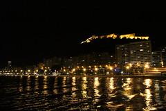Castillo de santa barbara (alexsv92) Tags: playa beach nigh night castillo castle mar water light
