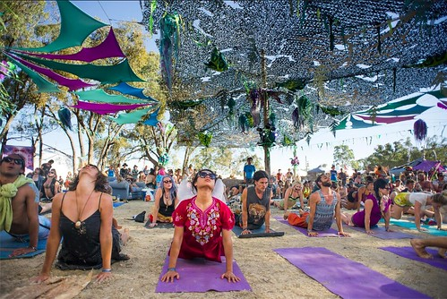 "Yoga of Bass Rainbow Serpent crowd • <a style=""font-size:0.8em;"" href=""http://www.flickr.com/photos/99447162@N06/30295418775/"" target=""_blank"">View on Flickr</a>"