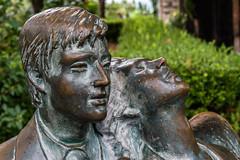 Amoureux ternels (beatricedrevon) Tags: statues sicile amoureux taormina parc