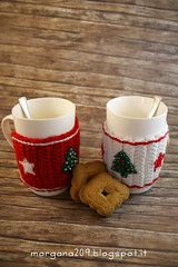 XmasCozyMug_08w (Morgana209) Tags: natale natale2016 christmas cozymug tazze uncinetto crochet feltro handmade fattoamano creativit rosso bianco lana stelle albero tree merenda colazione biscotti