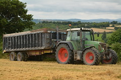 Fendt 818 Vario TMS Tractor with a Beresford Grain Trailer (Shane Casey CK25) Tags: fendt 818 vario tms tractor beresford grain trailer agco green harvest grain2016 grain16 harvest2016 harvest16 corn2016 corn crop tillage crops cereal cereals golden straw dust chaff county cork ireland irish farm farmer farming agri agriculture contractor field ground soil earth work working horse power horsepower hp pull pulling cut cutting knife blade blades machine machinery collect collecting nikon d7100 traktori traktor tracteur trekker cignik
