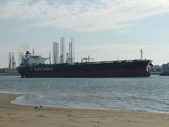 DSCN6469 (jebakker) Tags: nieuwemaas oeverbospad botlek botlekrotterdam deltatankers deltapioneer tanker oiltanker olietanker crudeoiltanker ruweolietanker vlaardingen maassluis