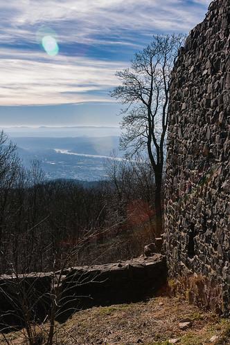 castrum lewinberg - Rheintal und Eifel im Gegenlicht