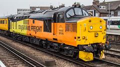 37175 (JOHN BRACE) Tags: british rail english electric class 37 co diesel loco built vulcan foundry 1963 d6875 renumber tops 37175 march 1974 seen tonbridge colas livery 0955 network track inspection train