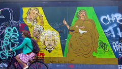 Street art at the East Side Gallery in Berlin (Sokleine) Tags: streetart street wall mur mauer berlinermauer murdeberlin museum muse openairmuseum berlin heritage unescoworldheritage deutschland germany allemagne goethe schiller einstein vlo bike bicycle