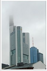 drohendes Unheil? - threatening disaster? (Barbara Mller-Walter) Tags: tower turm commerzbank commerzbanktower