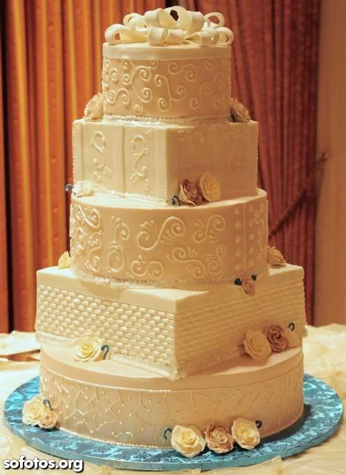 Bolo de casamento muito bonito