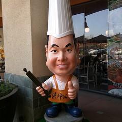 Man Vhef Hung has a big head.