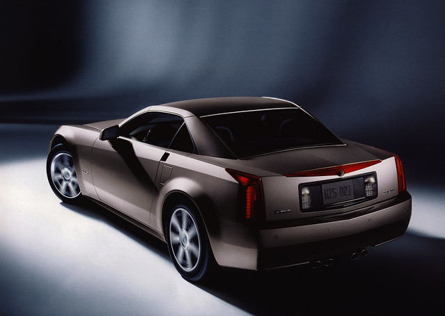 world auto travel cars 2004 car by ads drive photo model automobile ride image photos library go wheels transport models picture automotive center cadillac photograph papers vehicle motor makes collectible collectors brochures catalogue ? fahrzeug americancars motoring wagen automobil ????? americanautomobiles cadillacxlr prospekt katalog worldcars salesliterature worldtravellib