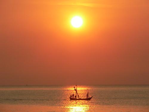 ST072 Hua Hin Sunrise