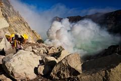 java - ijen (peo pea) Tags: indonesia giava java ijen cratere crater volcano vulcano sulfur mine miners hard work landscape sky clouds blu reportage leica leicaq