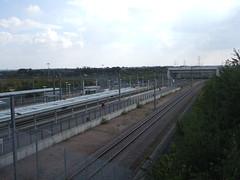 View of Ebbsfleet International Station from the road bridge. (DesiroDan) Tags: highspeed1 ebbsfleetinternationalstation eurostar southeasternhighspeed southeastern railwaystationsintheuk