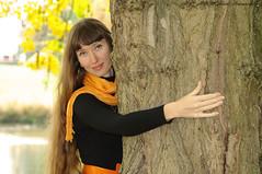 Natalya Hrebionka (Natali Antonovich) Tags: lahulpe park autumn pensiveautumn nature portrait mood smile stare lifestyle natalyahrebionka belgium belgique belgie