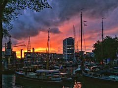 Last night's sunset in the hood (Cybergabi) Tags: leuvehaven ships harbor rotterdam sunset