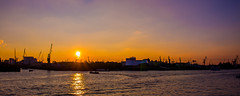 Hamburger Hafen (olmidi) Tags: hamburg hafen harbour elbphilharmonie elphi sunset sonnenuntergang musicals onstage daswudner knigderlwen lionking wasser elbe schifffe bauwerk city sund sonne stadt schn lights krne lzb winter theaterimhafen