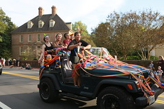 Riding in the parade Jeep-style (William & Mary Photos) Tags: select homecoming parade wm wmhc williamandmary williammary collegeofwilliamandmary collegeofwilliammary greenandgold alumni fall