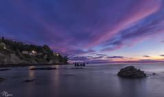 Amanece en Lastres (Urugallu) Tags: amanecer color luz nubes mar playa alalba reflejos cantabrico lastres llastres asturias asturies principadodeasturias flickr joserodriguez urugallu canon 70d luces sol