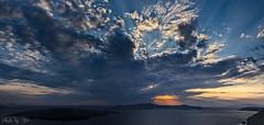 Le Soleil se couche sur les Cyclades (stephane_p) Tags: cyclades greece grce pentax santorin santorini clouds coucherdesoleil nuages sunset   landscape paysage