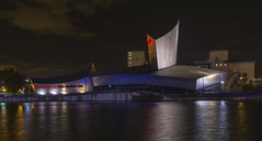 Imperial War Museum North (l4ts) Tags: architecture greatermanchester manchester salford salfordquays mediacity manchestershipcanal nightphotography longexposure reflections imperialwarmuseumnorth