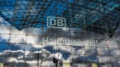Hauptbahnhof Berlin (fotoerdmann) Tags: symmetrie blue germany outdoor deutschland hauptbahnhof db berlin thorstenerdmann 2016 fotoerdmann