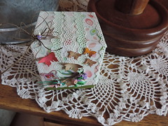 Cajita de té reciclada (norma nellis) Tags: quilling caja de cartón filigrana scrapbooking