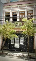 imitação (luyunes) Tags: casa arquitetura grafite moradia motomaxx riodejaneiro