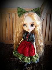 Alice Red Heart in progress (Lunalila1) Tags: doll groove junplaning pullip mio custo custom rakeru sensei makeup daenerys targarien alice version handmade outfit costura hearts color