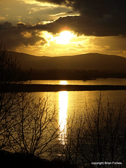 Loch Leven Dusk (B4bees) Tags: sunset reflection water scotland sundown rspb lochleven kinrossshire lochlake
