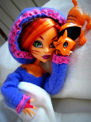 Bedtime for Sweetfang (tuneful87) Tags: monster high bed tiger bedtime pajamas werecat sweetfang toralei