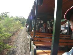 Tren hacia la  'Garganta del Diablo' en Cataratas de Iguazu desde Argentina. El tren hacia la 'Garganta del Diablo' (escandio) Tags: argentina waterfall iguazu catarata 2007 iguazú arg2 transamericana gargantadiablo