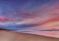 l'alba del 15 Aprile 2013 II (Adriana Glackin) Tags: ocean morning pink blue beach clouds sunrise canon adriana australia nsw 7d hatheadnationalpark