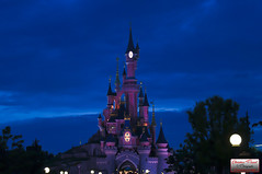 Disneyland paris (Christian Picard) Tags: park fiction en paris france de french mouse temple photo nikon photographie image expression disneyland year images disney mickey christian le land 20 lumi ans picard naturelle disneylandparis photographe personnage lumiére savigny d90 2013 77176 lexpression