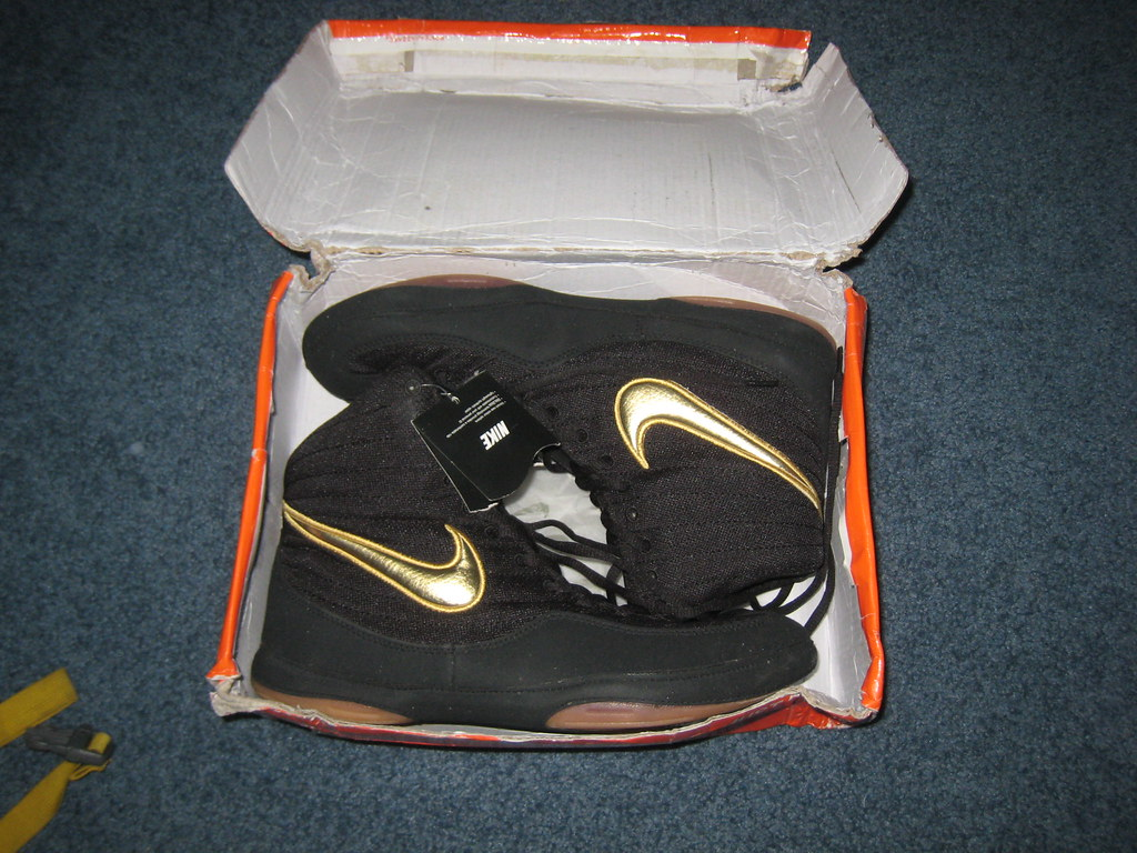 e607662a591 Nike OE Inflict Reissue (RussoNJ) Tags  new blue red black shoe gold shoes