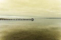 La trastienda del infinito (J. Barrena) Tags: mar playa sea beach arena relax atardecer cielo paz agua paisaje sunset nature naturaleza sand horizonte horizon sky nubes clouds reflejo reflection water