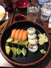 Lunch 2/11 (Atomeyes) Tags: mat sushi niso soppa ris fisk vatten